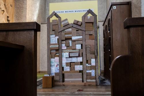 """Wortgottesdienst """"Steine meiner Wunschkirche"""""""
